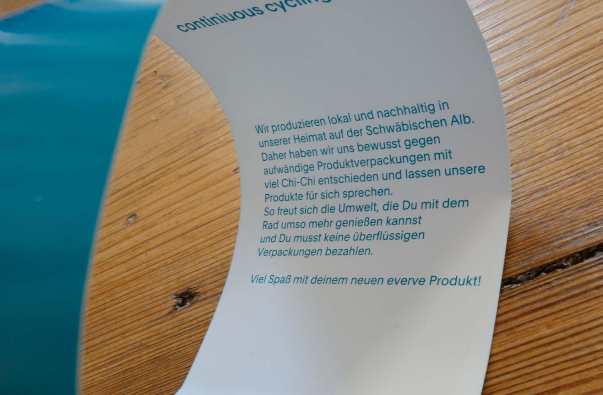 Papierbanderole, mehr an Verpackung braucht keiner